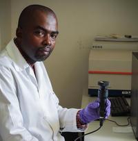 La recherche sur la qualité des huiles essentielles d'Ylang Ylang continue